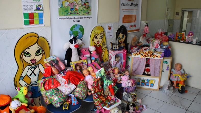 Entidades começam a doar brinquedos dentro do projeto 'Reutilize Alegria'