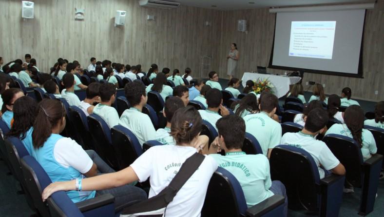 ITPS realiza palestra para aproximar a Química do cotidiano de estudantes de Socorro