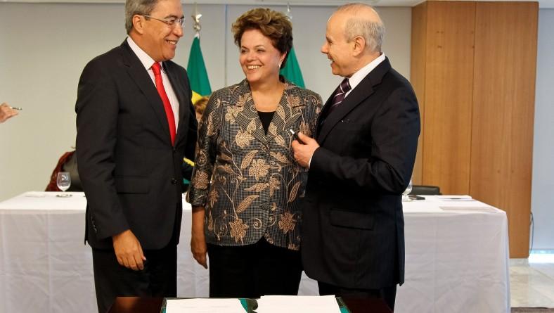Dilma e Déda assinam contrato que amplia em R$ 683 milhões o crédito para novos investimentos