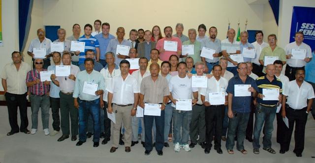 Taxistas de Aracaju recebem certificados de capacitação