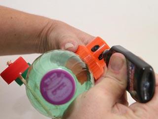 Biblioteca Infantil realiza oficina de brinquedos recicláveis no mês das férias