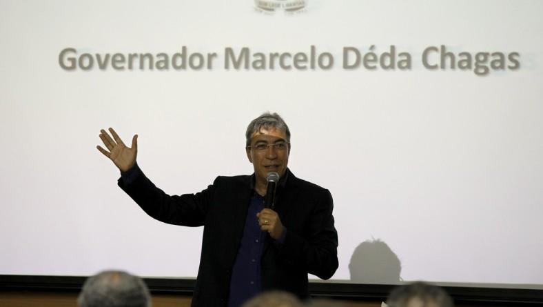 Marcelo Déda participa de confraternização da Asseop
