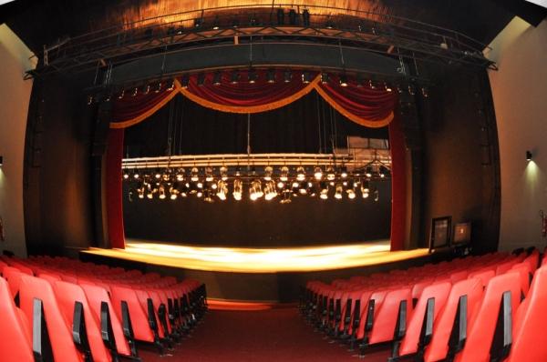 CONVITE À IMPRENSA – Governador inaugura reforma do Teatro Atheneu