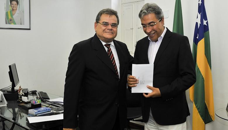 Déda recebe convite para posse de Carlos Sobral na presidência do TCE