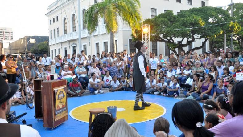 Público da praça Fausto Cardoso se despede do II FEST