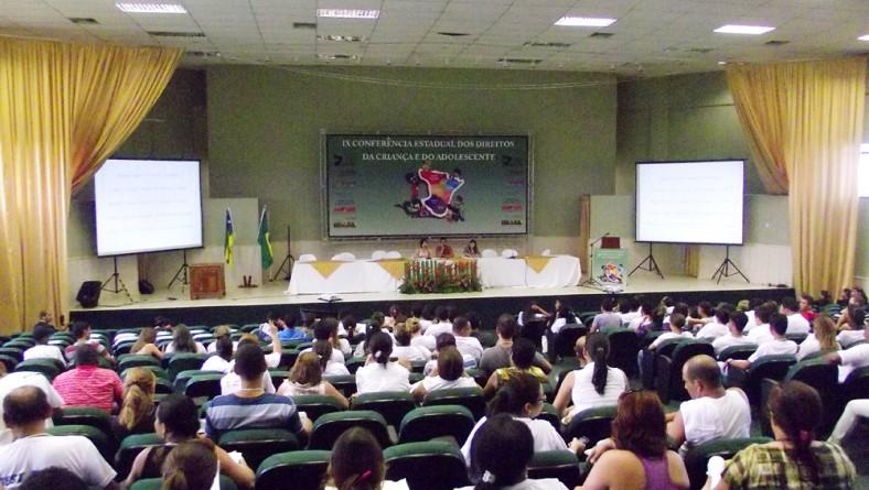 Adolescentes da Fundação Renascer participam como delegados em Conferência