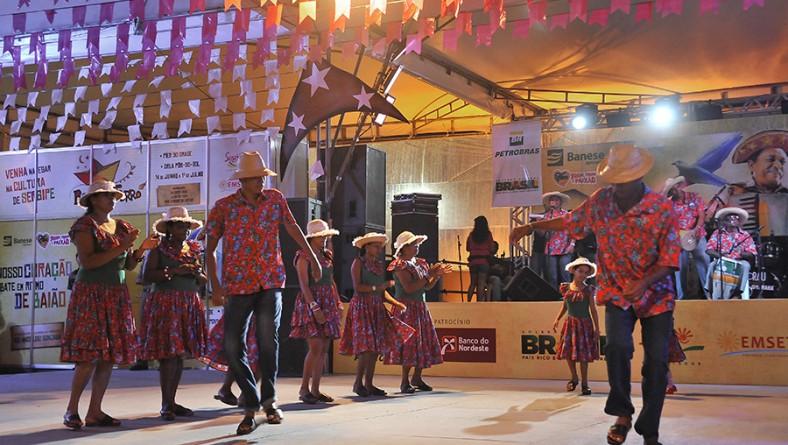 No dia de São Pedro, sergipanos e turistas comparecem ao Arraiá do Povo