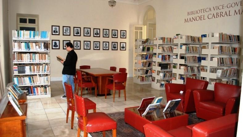 Palácio-Museu Olímpio Campospossui acervo de livros raros