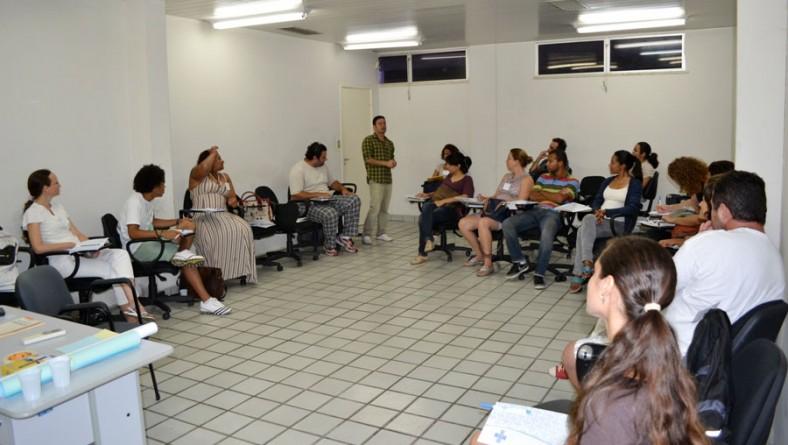 Cenógrafo premiado internacionalmente ministra oficina em Sergipe