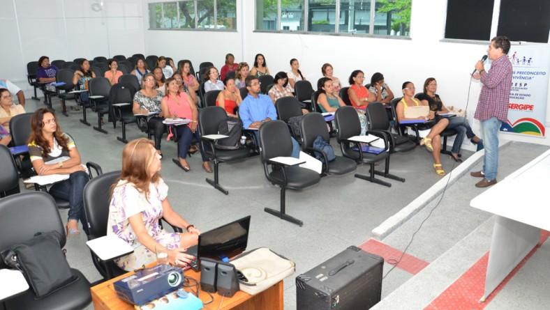 Curso sobre saúde mental e educação acontece em Aracaju
