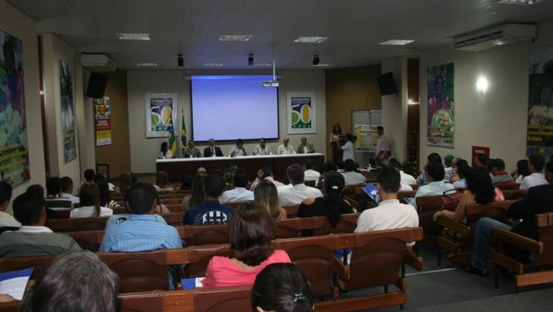 Secretário participa de seminário de resíduos de agrotóxico em alimentos