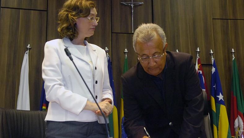 Jackson Barreto assina Termo de Adesão do Estado de Sergipe ao Plano Viver sem Limite