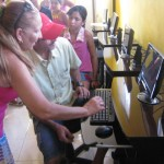 Pronese faz entrega do núcleo de inclusão digital em Glória - Fotos: Ascom/Pronese