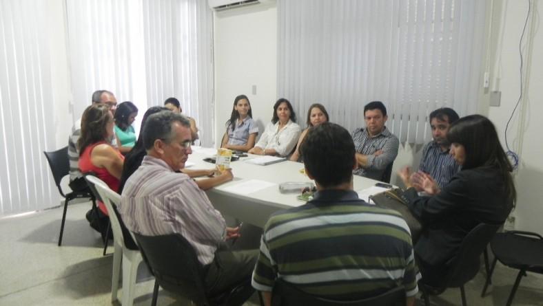 Seides e Conab articulam aperfeiçoamento da entrega de suco à população sertaneja
