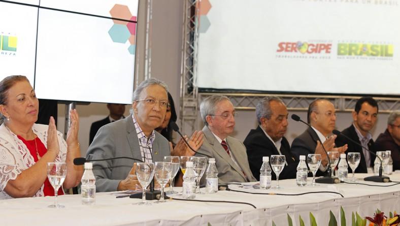 Déda destaca Sergipe Cidades no encontro com prefeitos sergipanos