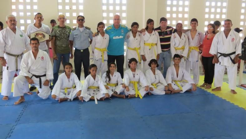 Escola de Esportes Professor Kardec completa 1 ano de inclusão social
