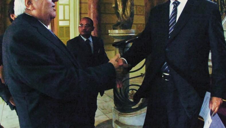 Jackson Barreto assina protocolo de intenções para instalação da Amsia Motors em Sergipe