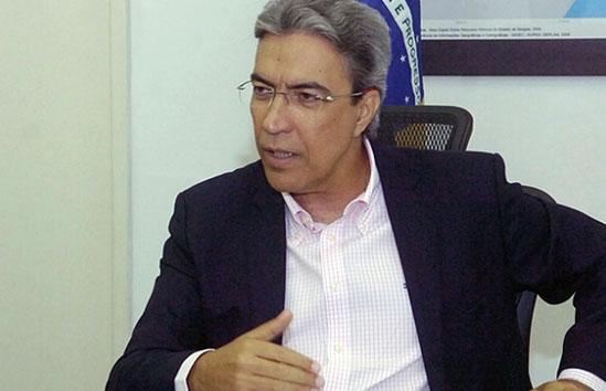Marcelo Déda deixa UTI e vai para apartamento de hospital em S. Paulo