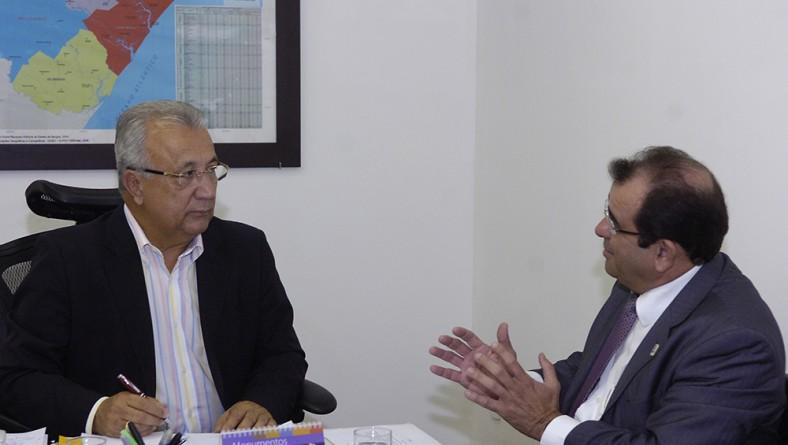 Jackson recebe reitor da UFS e discute federalização do Hospital de Lagarto