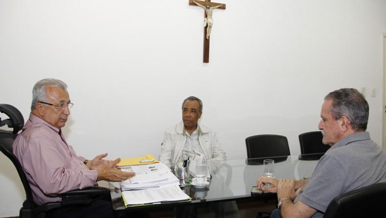 Jackson Barreto e João Alves debatem temas de interesse dos aracajuanos
