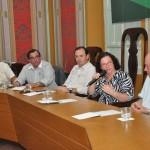 Lúcia Falcón explica reforma do Terminal Luiz Garcia para Acese