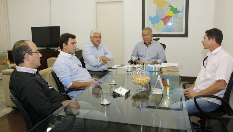 Jackson Barreto recebe lideranças políticas