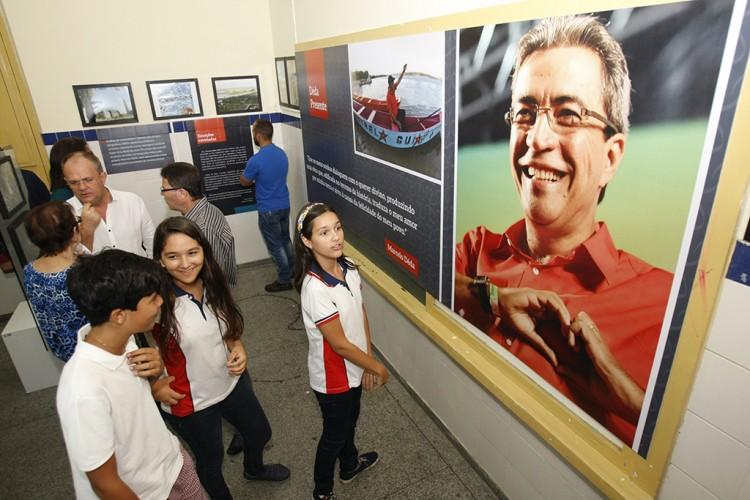 Abertura da Exposição Déda Presente, em Simão Dias, é marcada pela emoção
